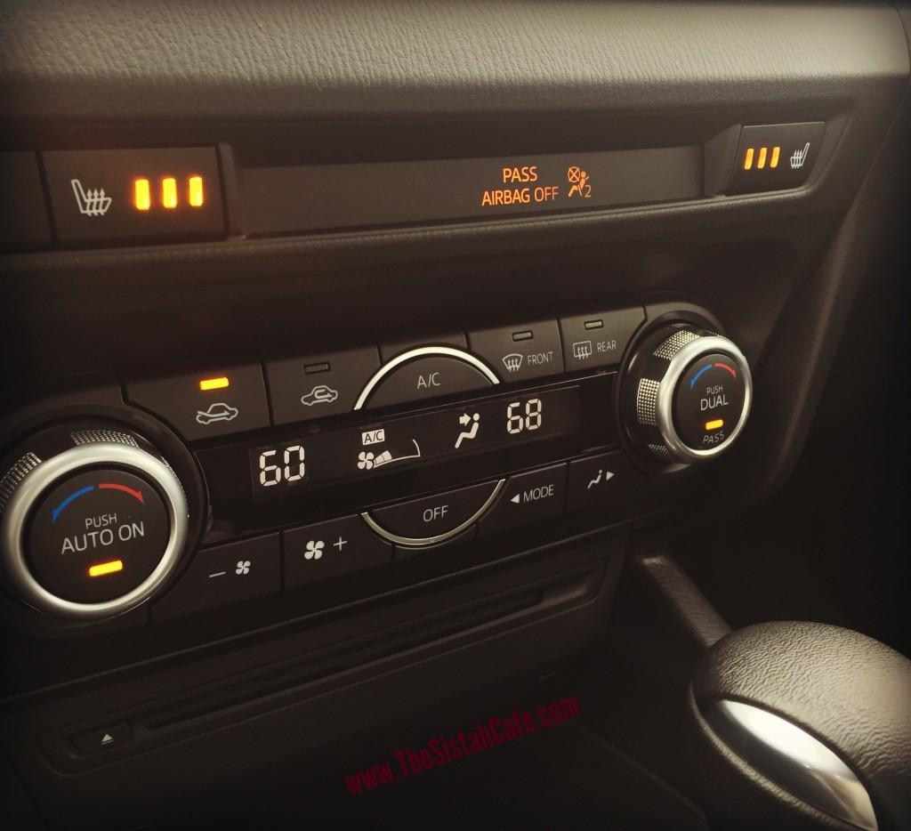 2016-Mazda3-dual-climate
